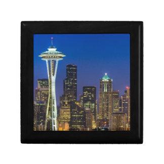 朝の時間のシアトルのスカイラインのイメージ ギフトボックス