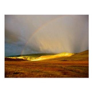 朝の雷雨山の虹 ポストカード
