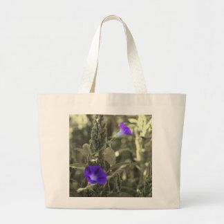 朝顔の白黒の花のトートバック ラージトートバッグ