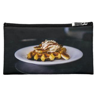 朝食のためのおいしく厚いワッフル コスメティックバッグ