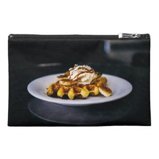 朝食のためのおいしく厚いワッフル トラベルアクセサリーバッグ
