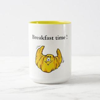 朝食時間およびクロワッサン! ツートーンマグカップ