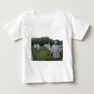 朝鮮戦争の退役軍人の記念物 ベビーTシャツ