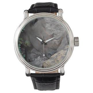 木および石の動物のジャングルアフリカのサイ 腕時計