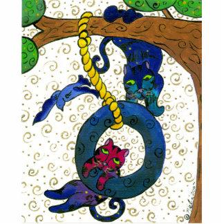 木から振れている2匹のずんぐりした虎猫猫 写真彫刻マグネット