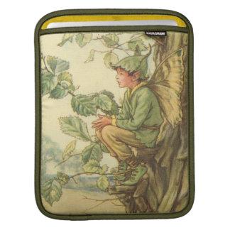 木に坐っている飛んだニレの妖精 iPadスリーブ
