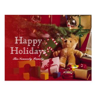 木のまわりのクリスマスのギフトそしておもちゃ ポストカード
