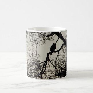 木のシルエットのマグの鳥 コーヒーマグカップ