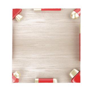 木のテーブルの化粧品プロダクト ノートパッド