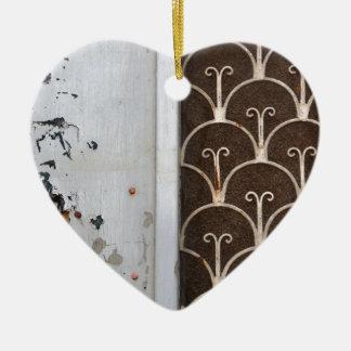 木のドアの錆ついたパターン セラミックオーナメント