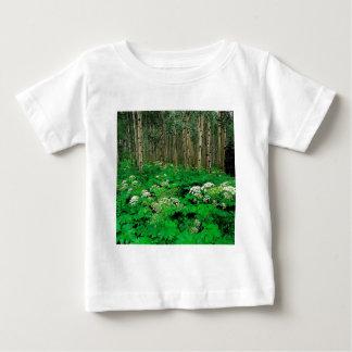 木のパースニップの震動《植物》アスペンコロラド州 ベビーTシャツ