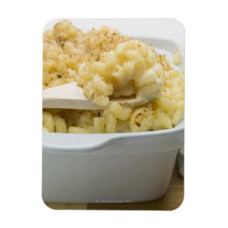 木のベーキングの皿のマカロニのチーズ マグネット