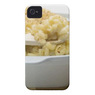 木のベーキングの皿のマカロニのチーズ Case-Mate iPhone 4 ケース
