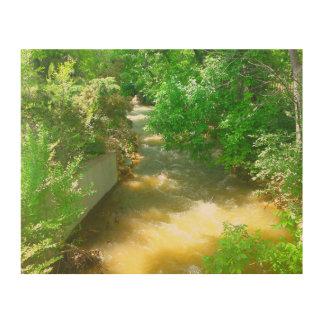 木の下の急ぐ川 ウッドウォールアート