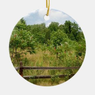 木の塀および草原 セラミックオーナメント