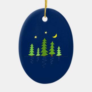 木の星および月が付いている真夜中の森林 セラミックオーナメント