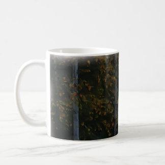 木の景色の白い樺の木 コーヒーマグカップ