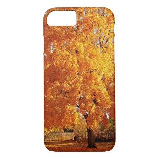 木の現実の秋 iPhone 8/7ケース