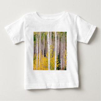 木の秋の《植物》アスペンコロラド州 ベビーTシャツ