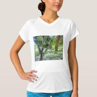 木の美しい Tシャツ