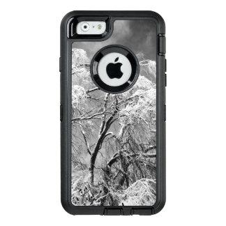 木の衣服の冬 オッターボックスディフェンダーiPhoneケース