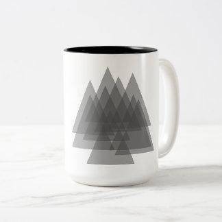 木の透明な森林 ツートーンマグカップ