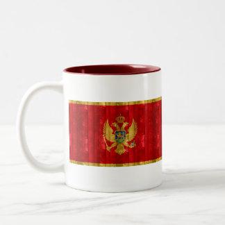 木のMontenegrin旗 ツートーンマグカップ
