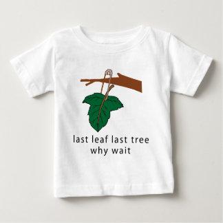 木のTシャツを保護して下さい ベビーTシャツ