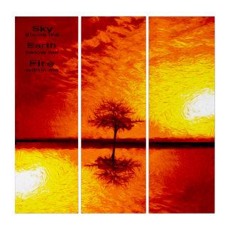 木及びオレンジ、赤く及び黄色の日没の空Vibran トリプティカ