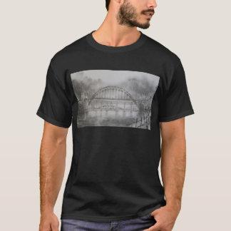 木炭黒のTシャツのタイン橋 Tシャツ