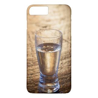 木製のテーブルのテキーラのワンショット iPhone 8 PLUS/7 PLUSケース