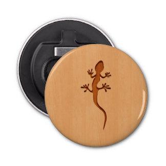 木製のデザインで刻まれるトカゲのシルエット 栓抜き