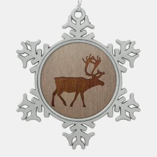 木製のデザインで刻まれるトナカイのシルエット スノーフレークピューターオーナメント