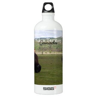 木製のバイソンを牧草を食べること; ユーコン準州領域の記念品 ウォーターボトル