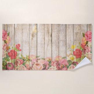木製ヴィンテージの素朴でロマンチックなバラ ビーチタオル