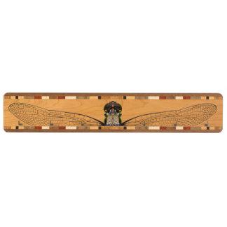 木鍵の棚-半透明な翼のトンボ キーラック