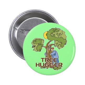 木Hugger 5.7cm 丸型バッジ