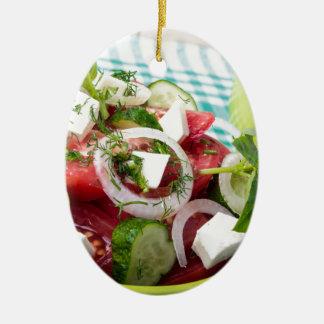 未加工トマトが付いている有用な菜食主義サラダ セラミックオーナメント