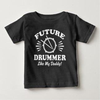 未来のドラマーは私のお父さんを好みます ベビーTシャツ
