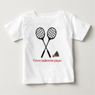 未来のバドミントンのプレーヤー、ラケット及びshuttlecock ベビーTシャツ