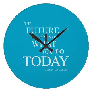 未来の活気づけるでやる気を起こさせるな引用文の時計の青 ラージ壁時計