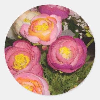 未知のタイプ及び品種のかわいらしいプラスチック花 ラウンドシール