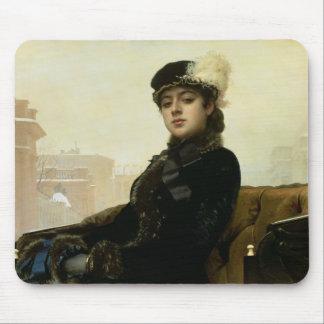 未知の女性のポートレート、1883年 マウスパッド