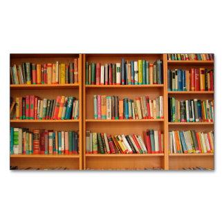 本だなは図書館の本の虫の読書を予約します マグネット名刺 (25枚パック)