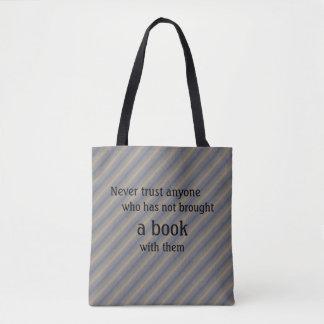 本の戦闘状況表示板- Snicketのレモン味の引用文 トートバッグ