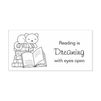 本の積み重ね-読書引用文の上のかわいい猫 ラバースタンプ