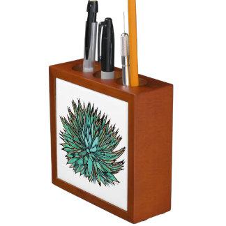 机のオルガナイザー-先の尖った緑のリュウゼツラン
