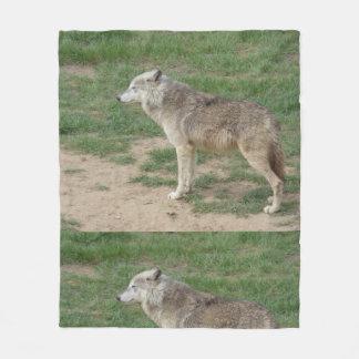 材木オオカミのイヌ科動物のフリースブランケット フリースブランケット