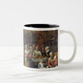 村の宴会 ツートーンマグカップ