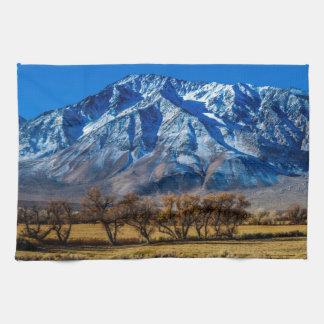 東のシエラネバダ山脈の秋-司教- Californa キッチンタオル